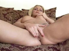 Two scenes of hawt lady fingering