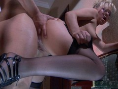 Sassy gal treats her studly paramour to sexy muff widens and nylon footjob
