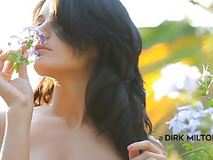 Luiza smells the flowers and acts gentle, just like a lady should. This babe loves nature and relaxes in the middle of it with her boy. Luiza approaches, sits on top of the chap and begins giving a kiss him tender. Look at her butt, so taut and firm, just like her marangos are. This babe forgets about the flowers and begins engulfing cock.