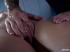 Golden-haired France slut Jessie receives a nice massage and then a deep hard fuck in her ass. The sexy doxy relaxes as the guy massages her bald wet crack and smoking sexy thighs and then she has a great time with his large hard dick in her ass. Damn this gal likes it anal