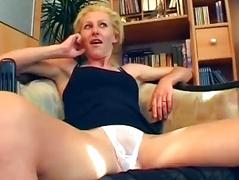 German amateur shoots porn in her living room - Sascha Production